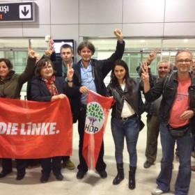 Solidaritätsbesuch: Gemeinsam mit Freunden der HDP gegen die Gewalt in der Türkei.